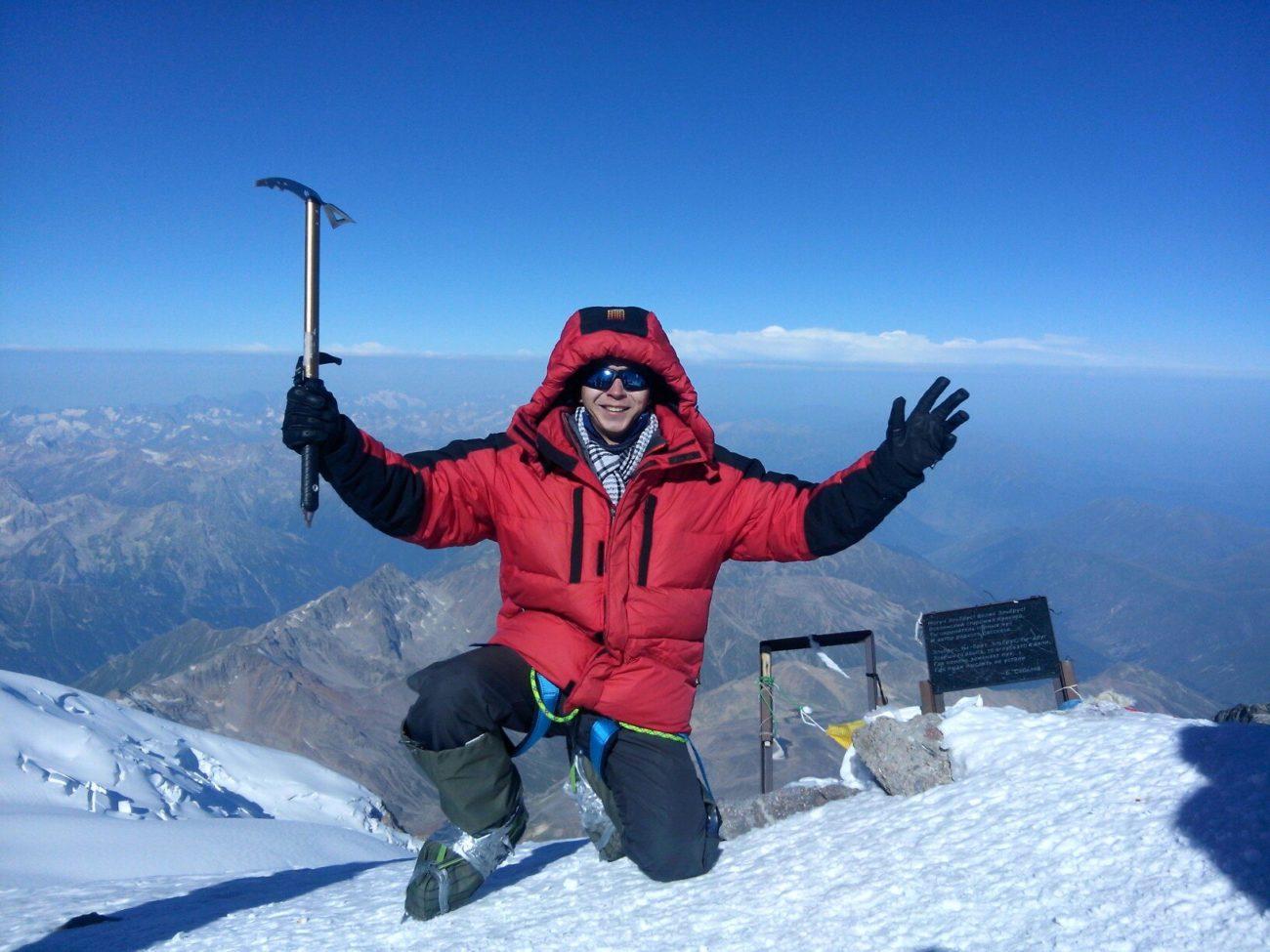 На западной вершине Эльбруса. Высота 5642м