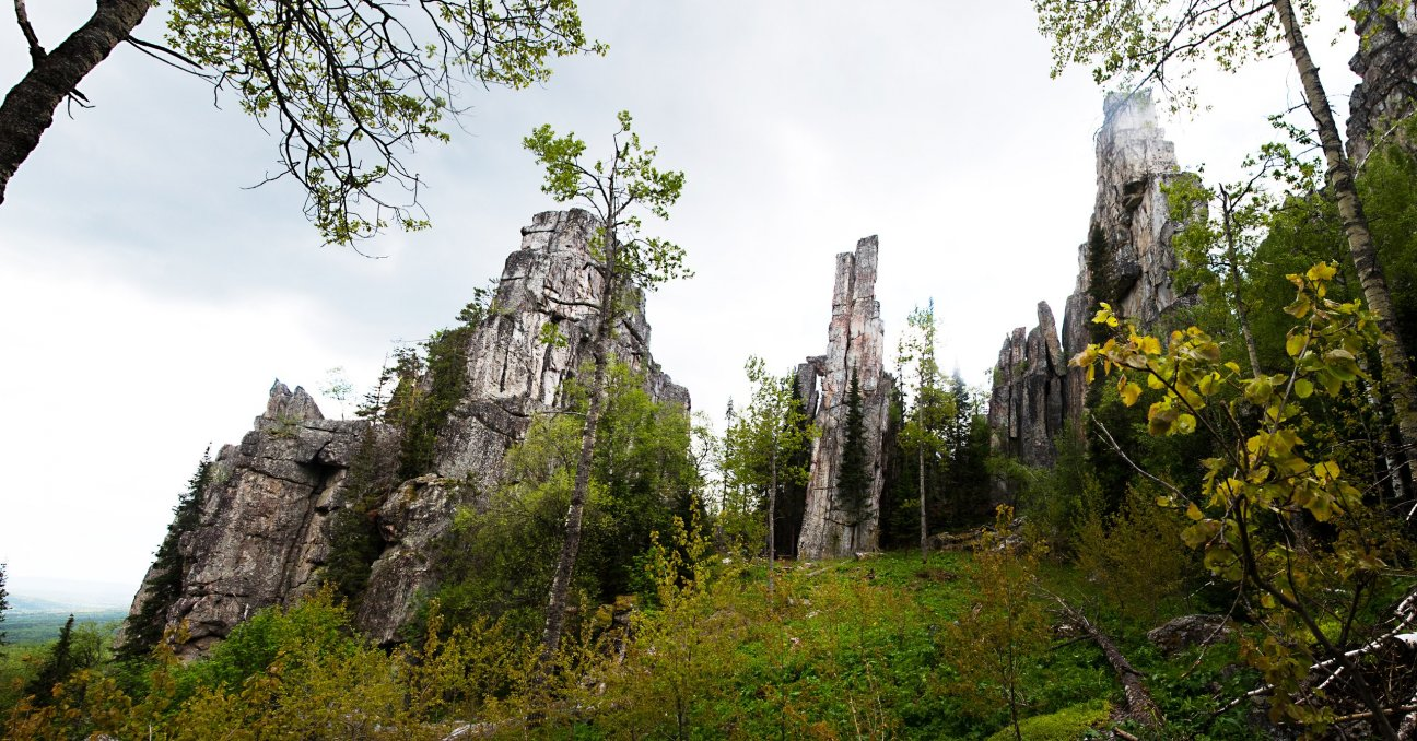 Скальные останцы в горах