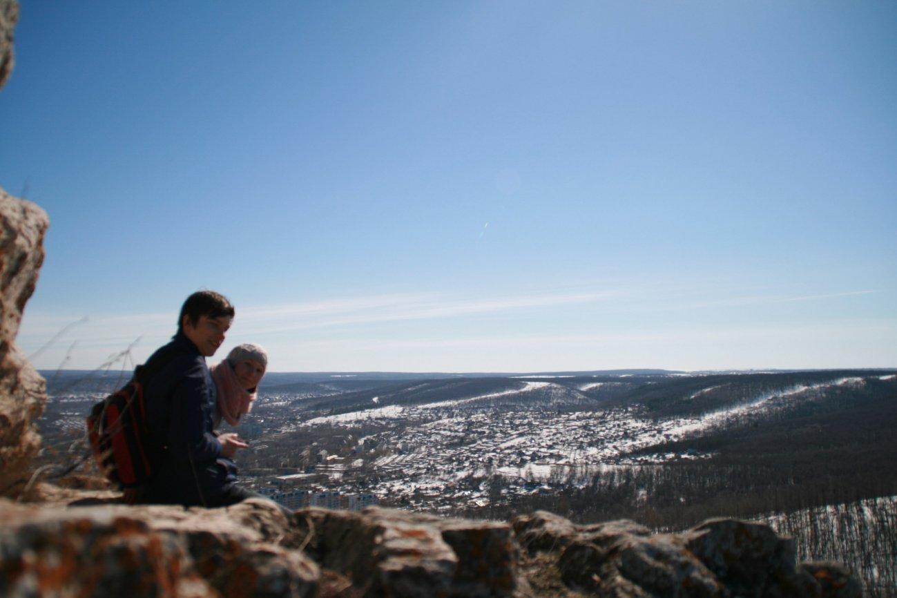 На вершине горы прекрасная природа