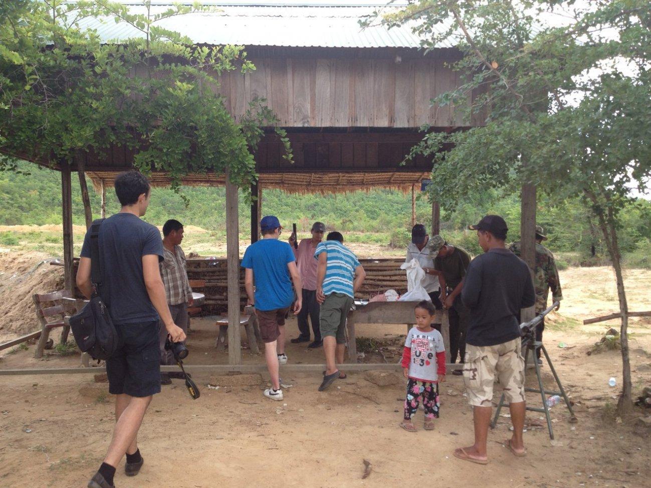 На стрельбище в Камбодже