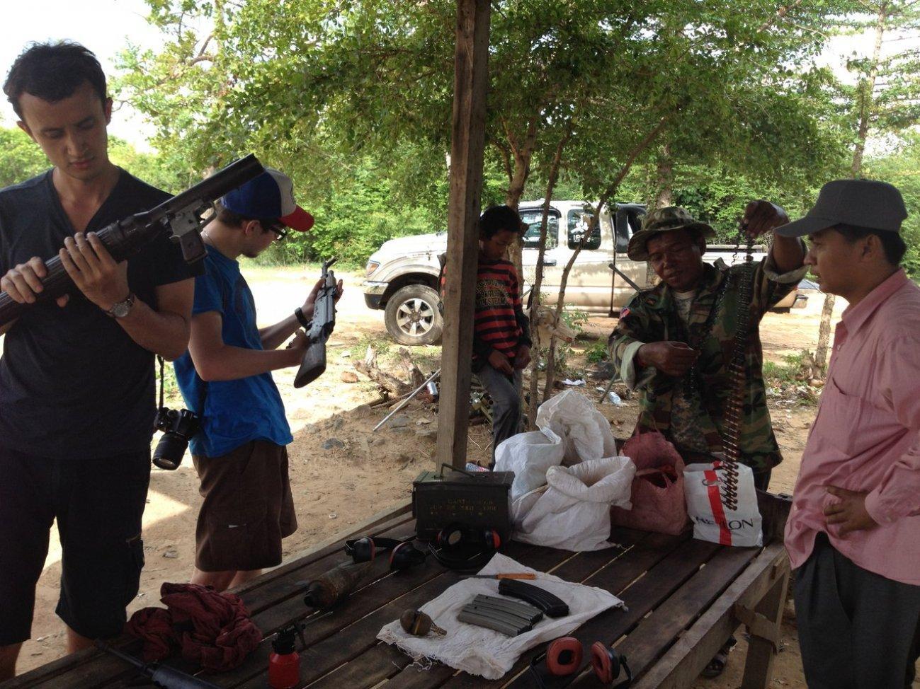 Выбор оружия для стрельбы в Камбодже