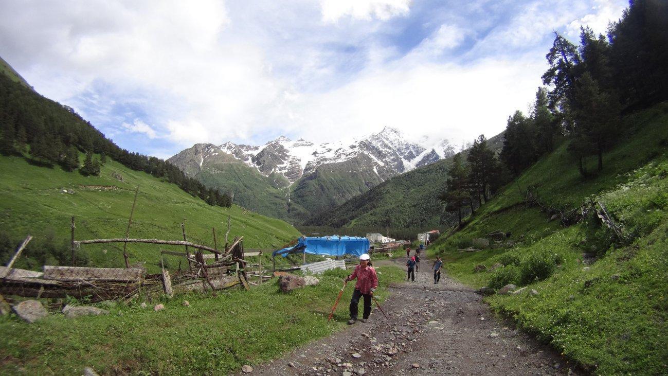 Трекинговый подъем в горы
