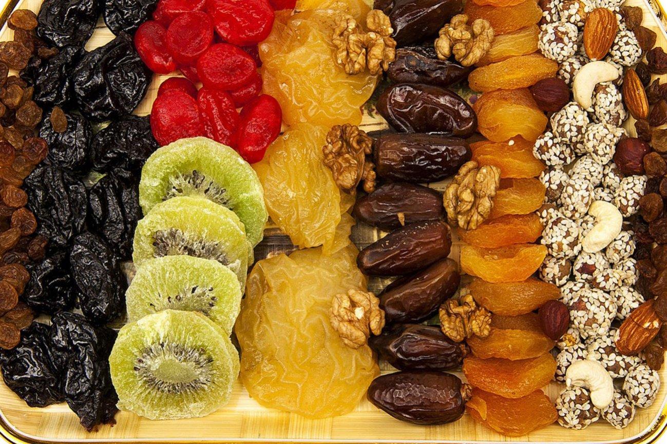 Сухофрукты и орехи для турпохода