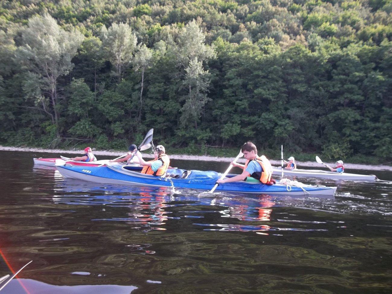 Сплав с друзьями по реке