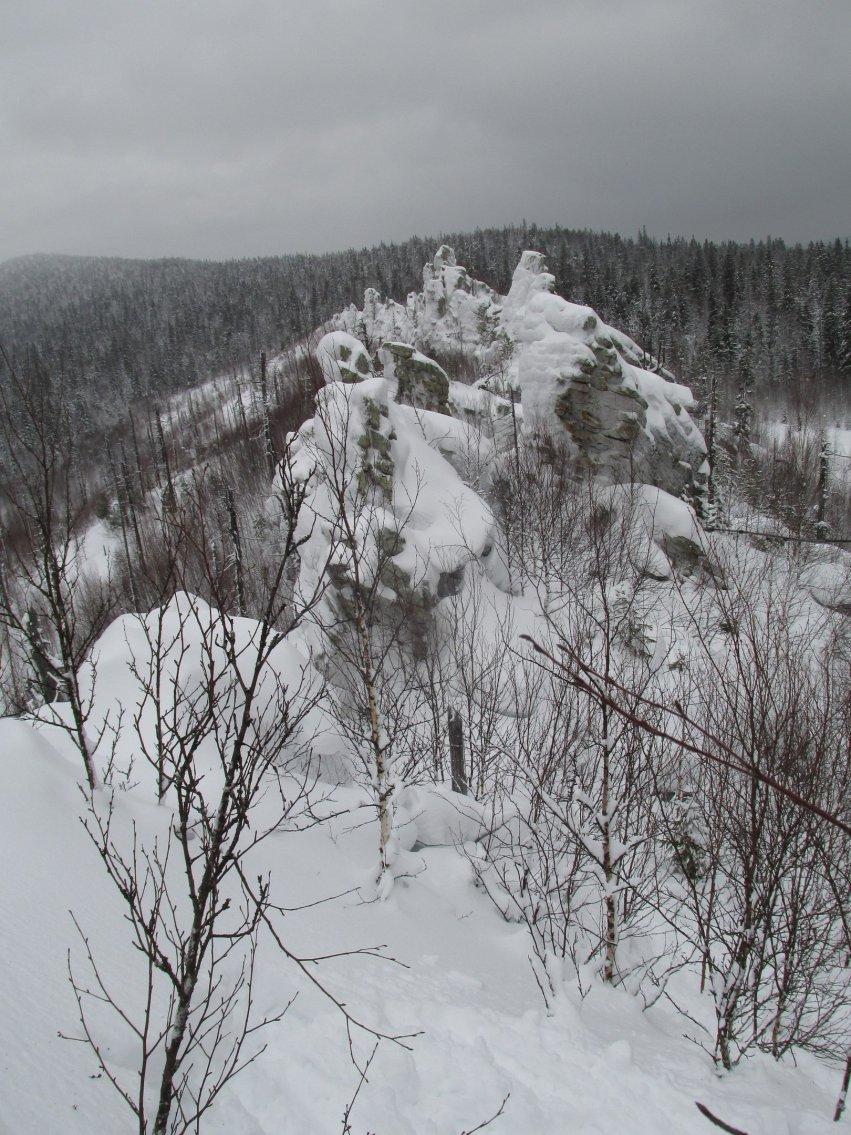 Снежные зимние горы