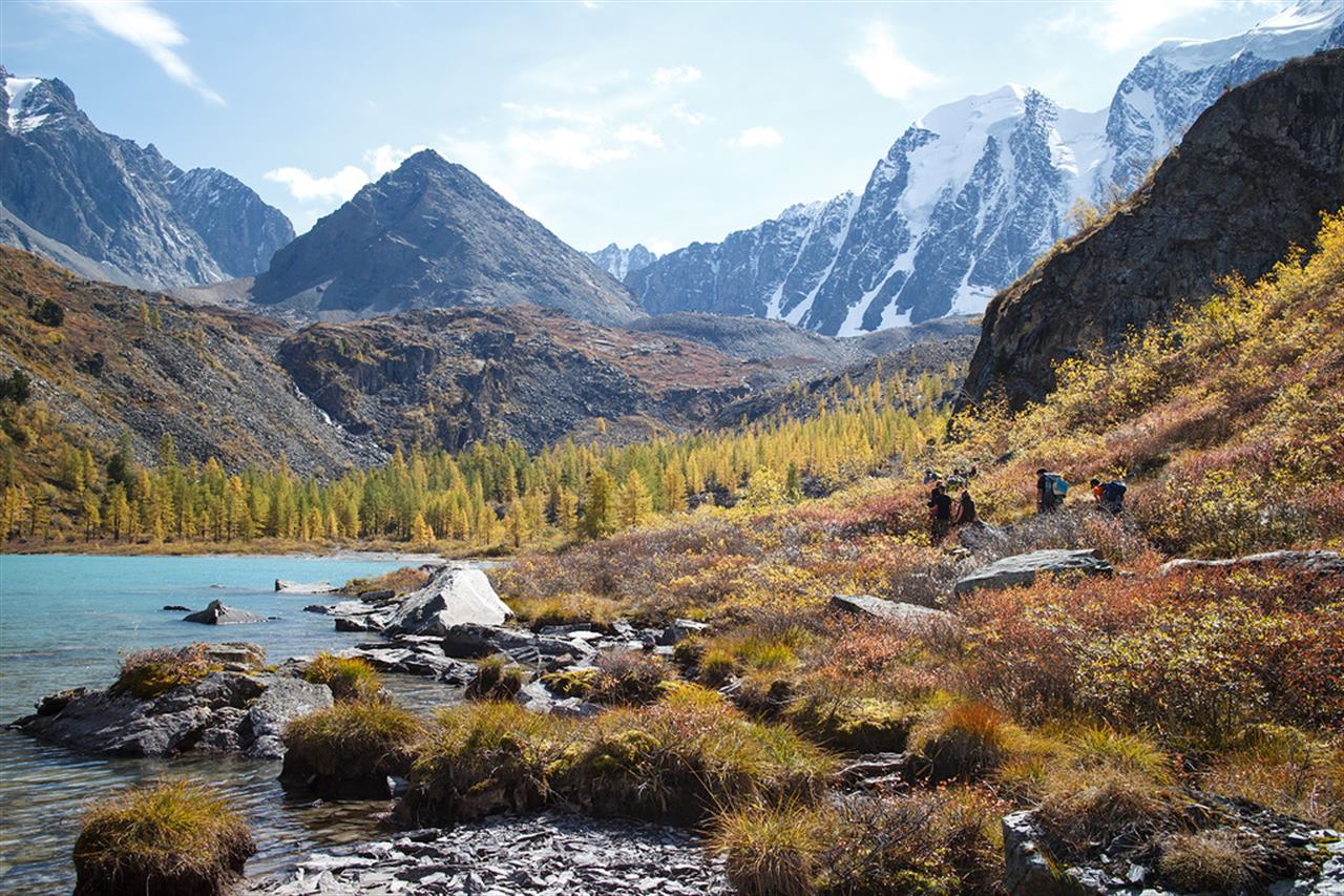 Величественные горы Алтая и прекрасные озера