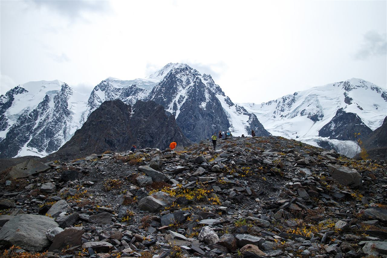 Снежные горы Алтая