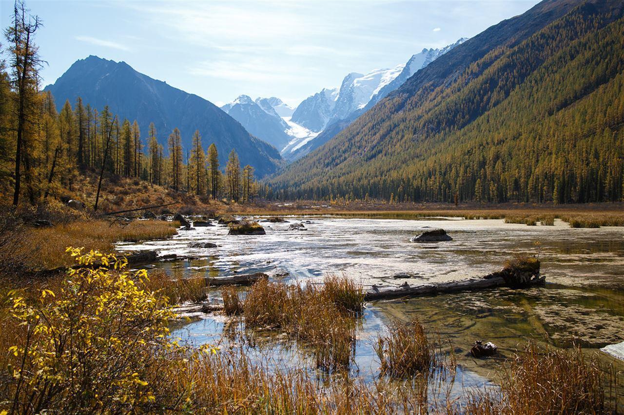 Осеннее озеро Алтая