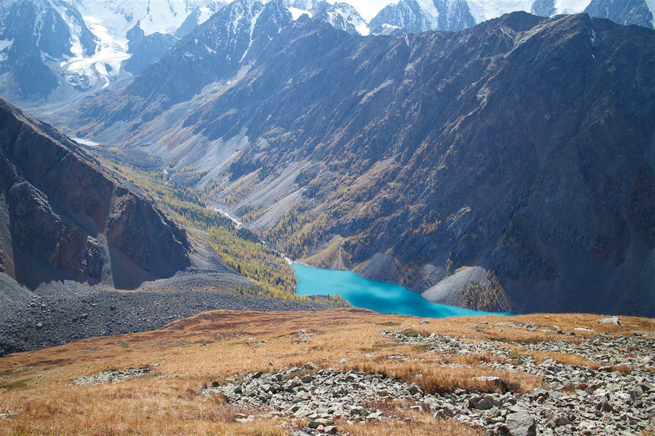 Величественные долины и горы Алтая