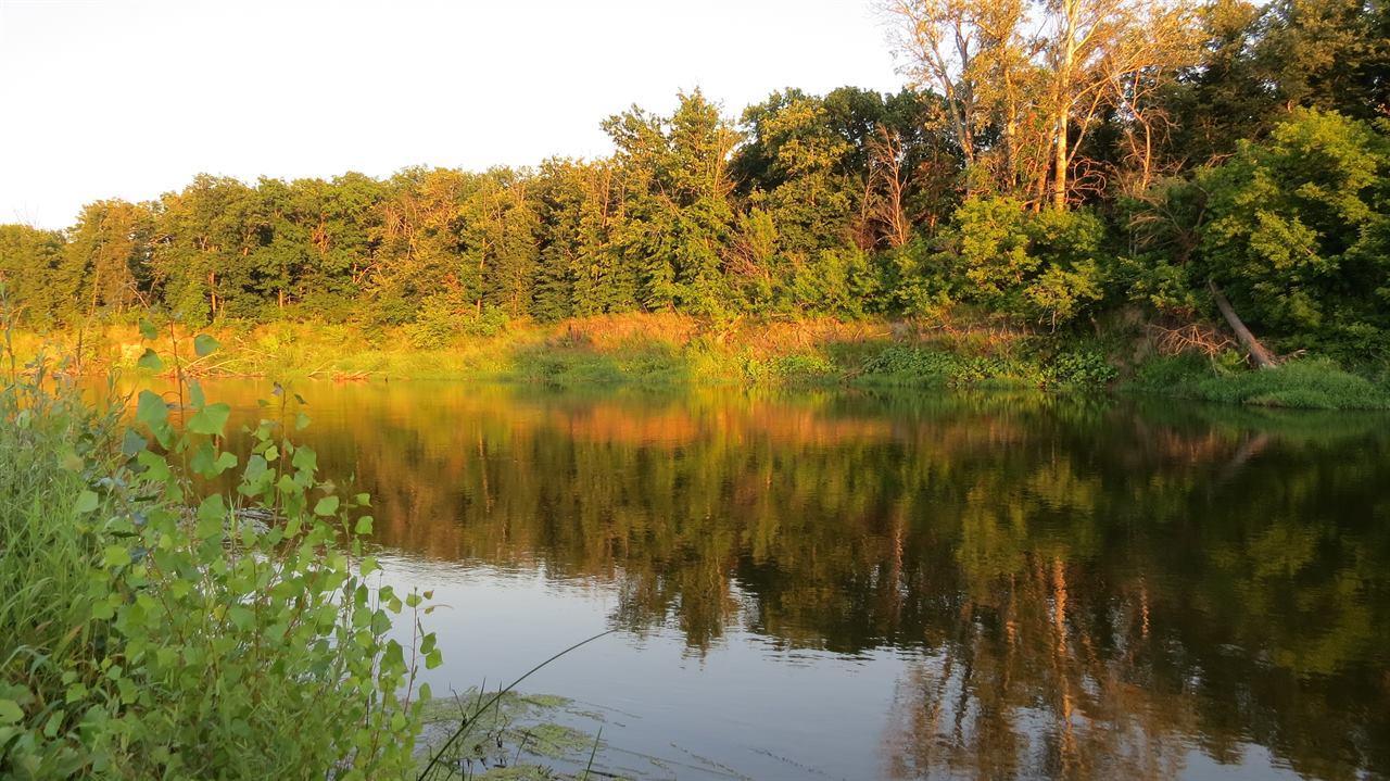 Красивая река во время летнего сплава