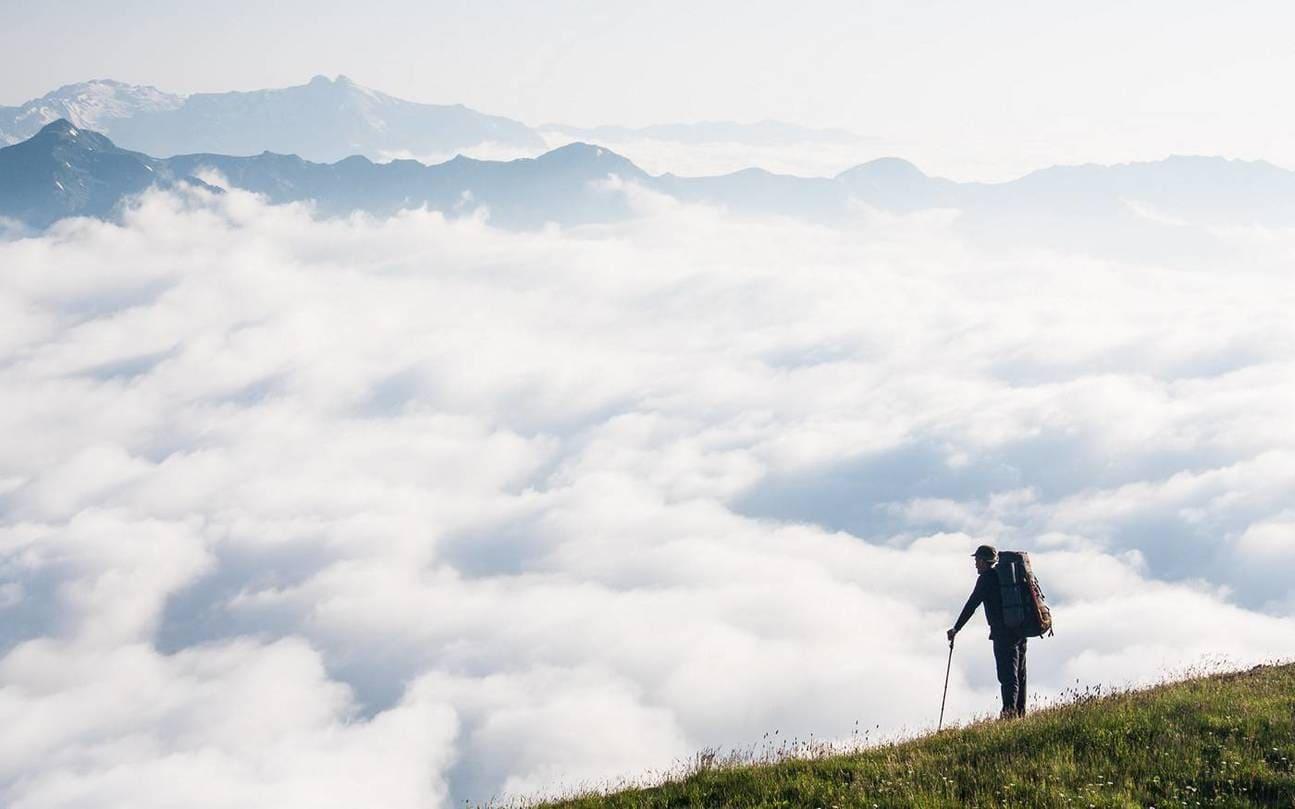 Путешествие в облаках в горах