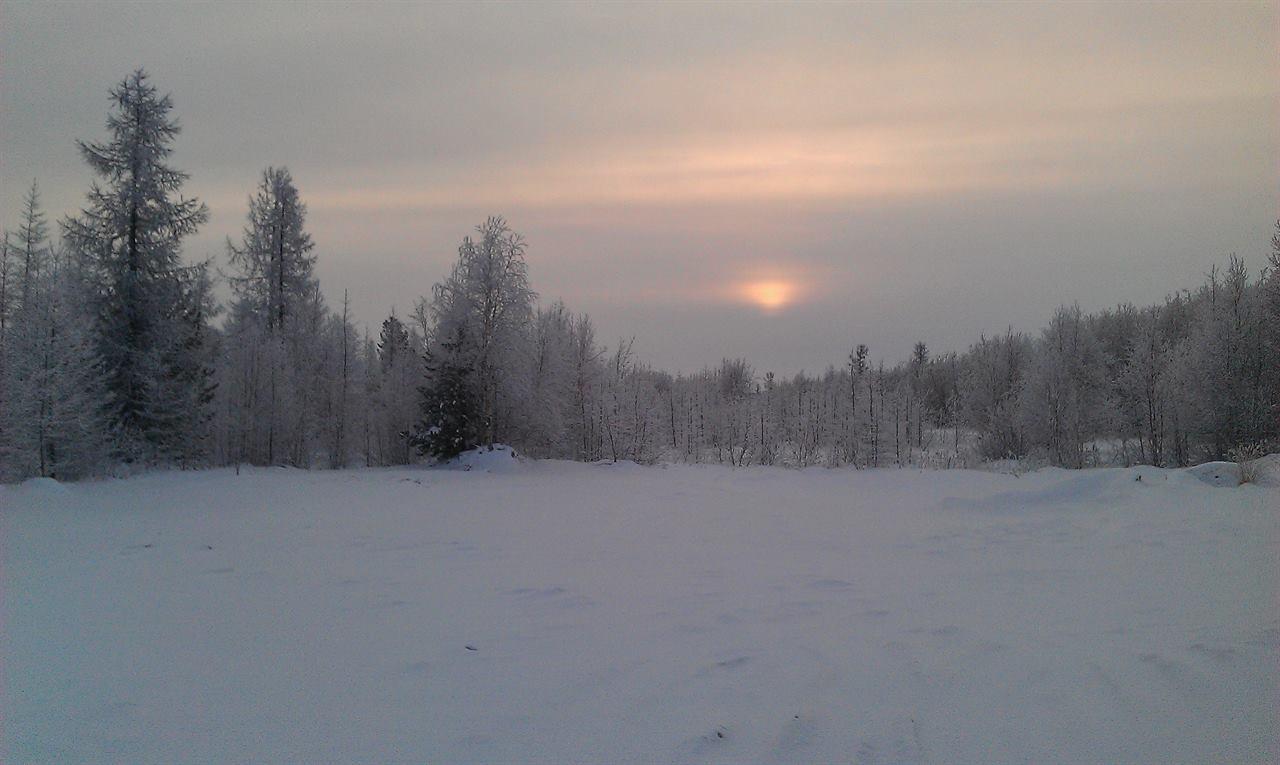 Закат в горах в зимнем походе