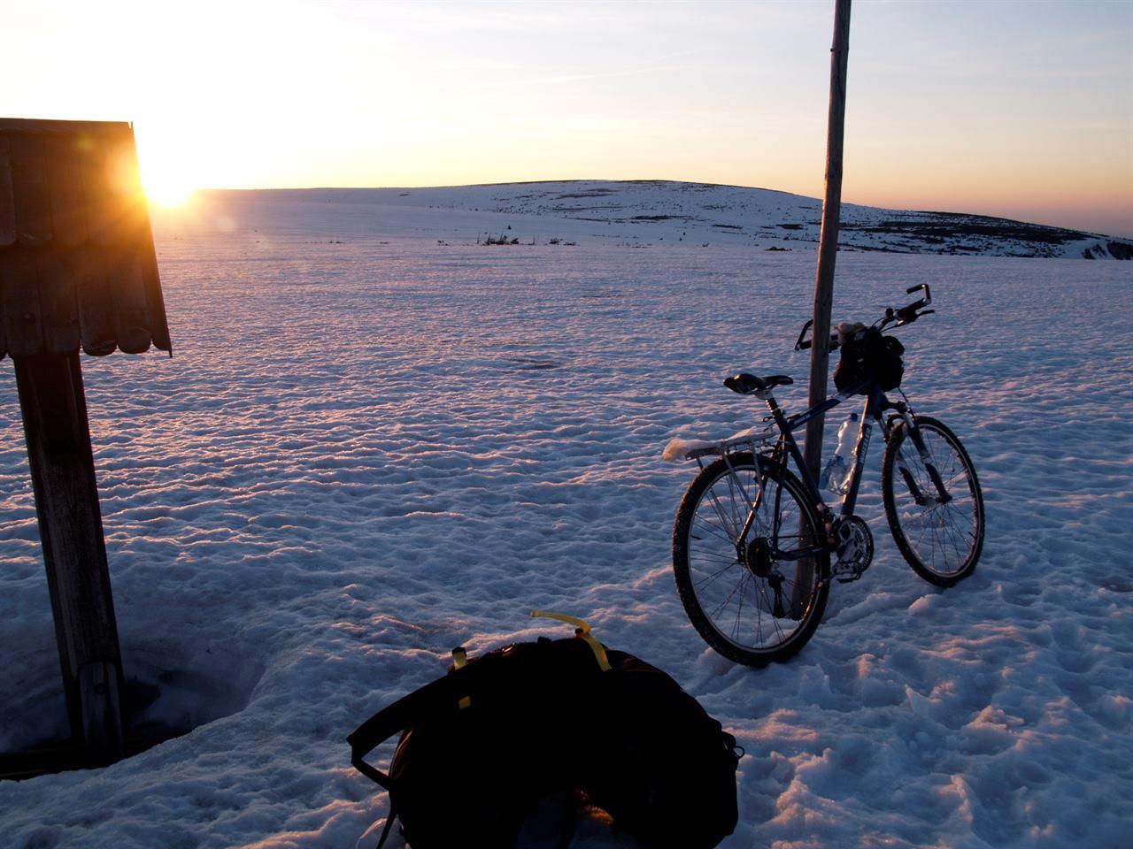 Зимний велопоход в горах