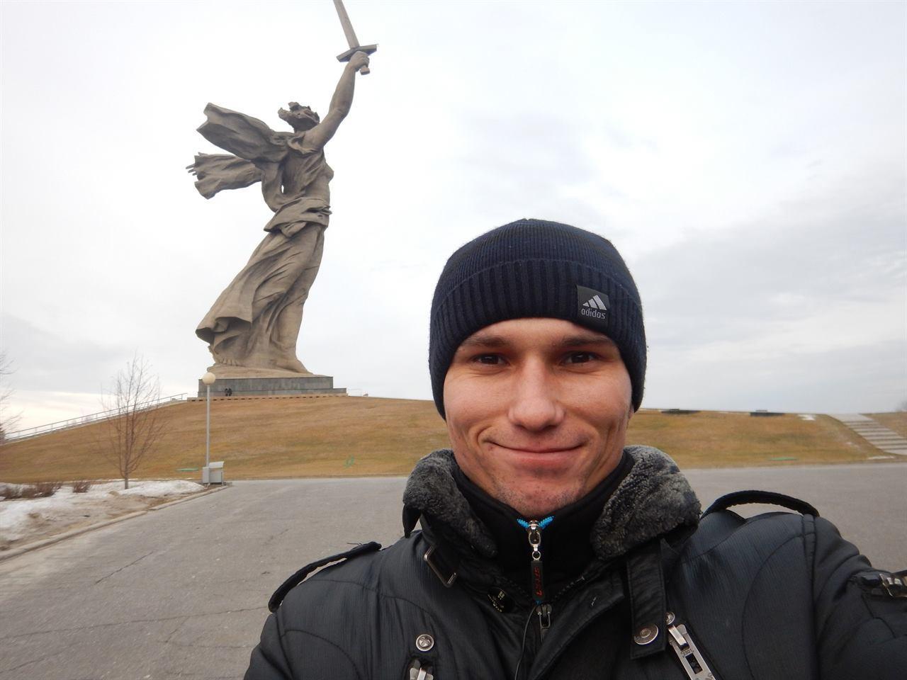Статуя свободы Волгоград