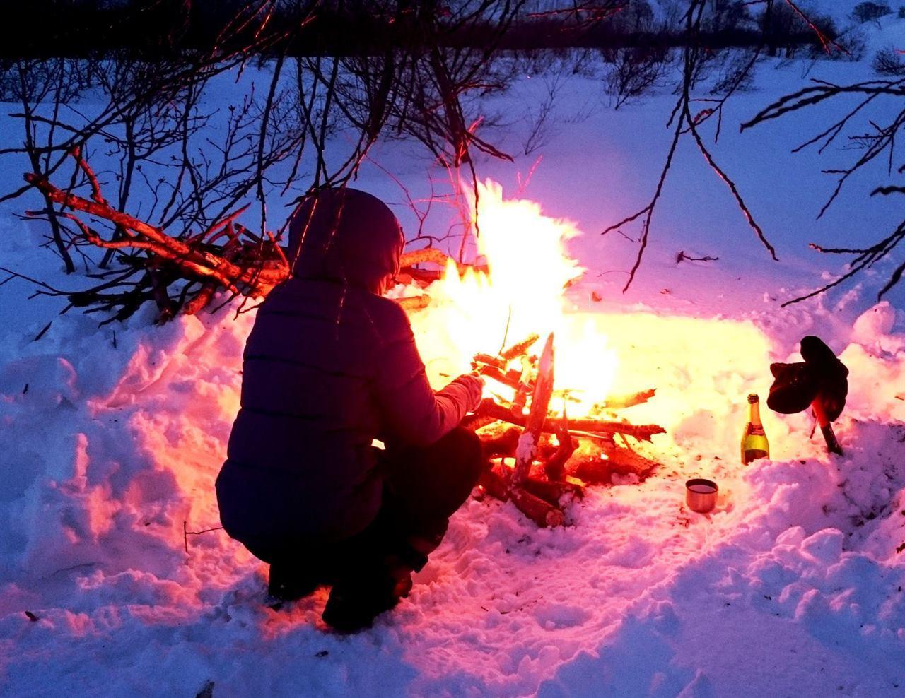 Зимой у костра на Камчатке