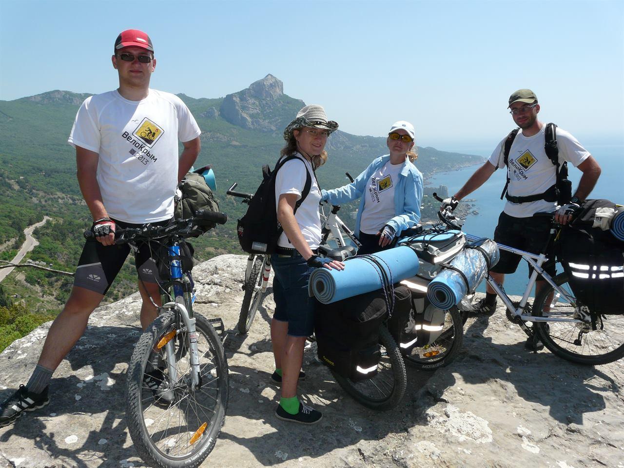 Путешествие в горах на велосипедах