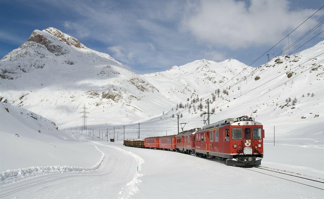 Путешествие на поезде зимой