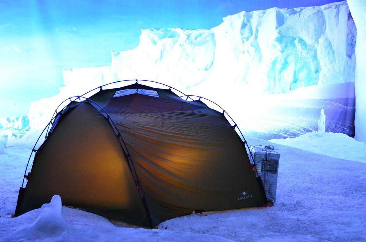 Палатка на леднике