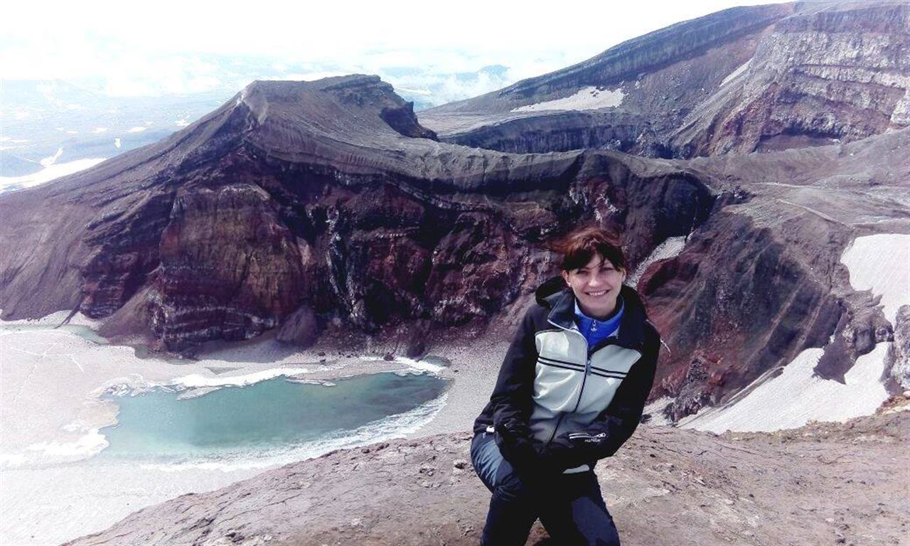 Девушка на Камчатских вулканах