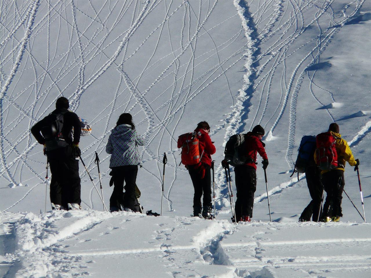 Тургруппа перед подъемом в горы зимой