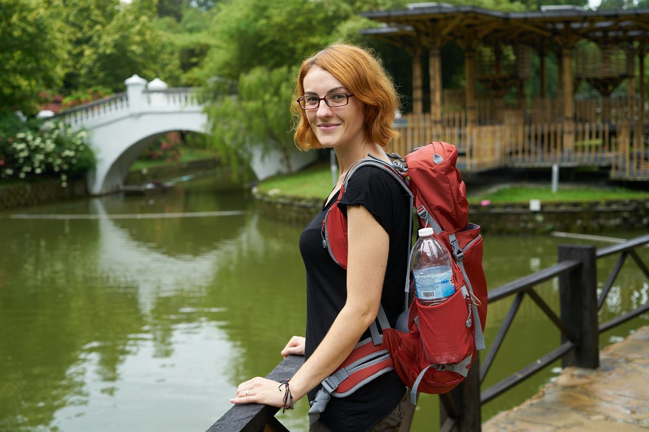Несколько действенных и полезных советов девушкам для самостоятельных путешествий в отпуск за границу