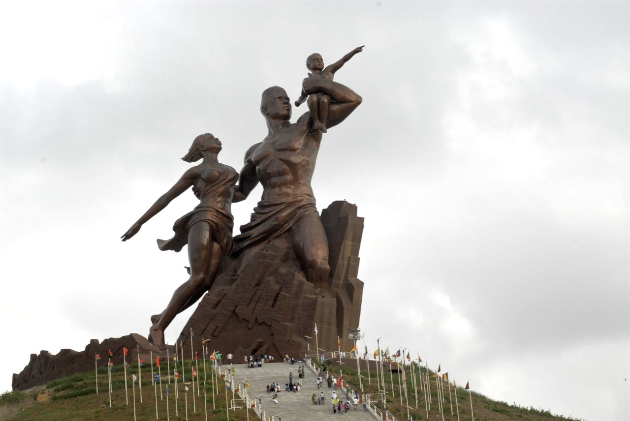 Памятник африканскому возрождению