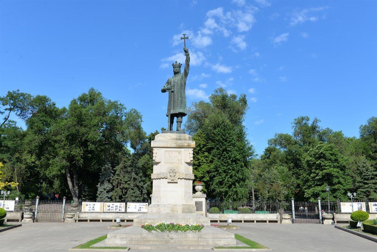памятник Великому государю Молдовы Штефану III