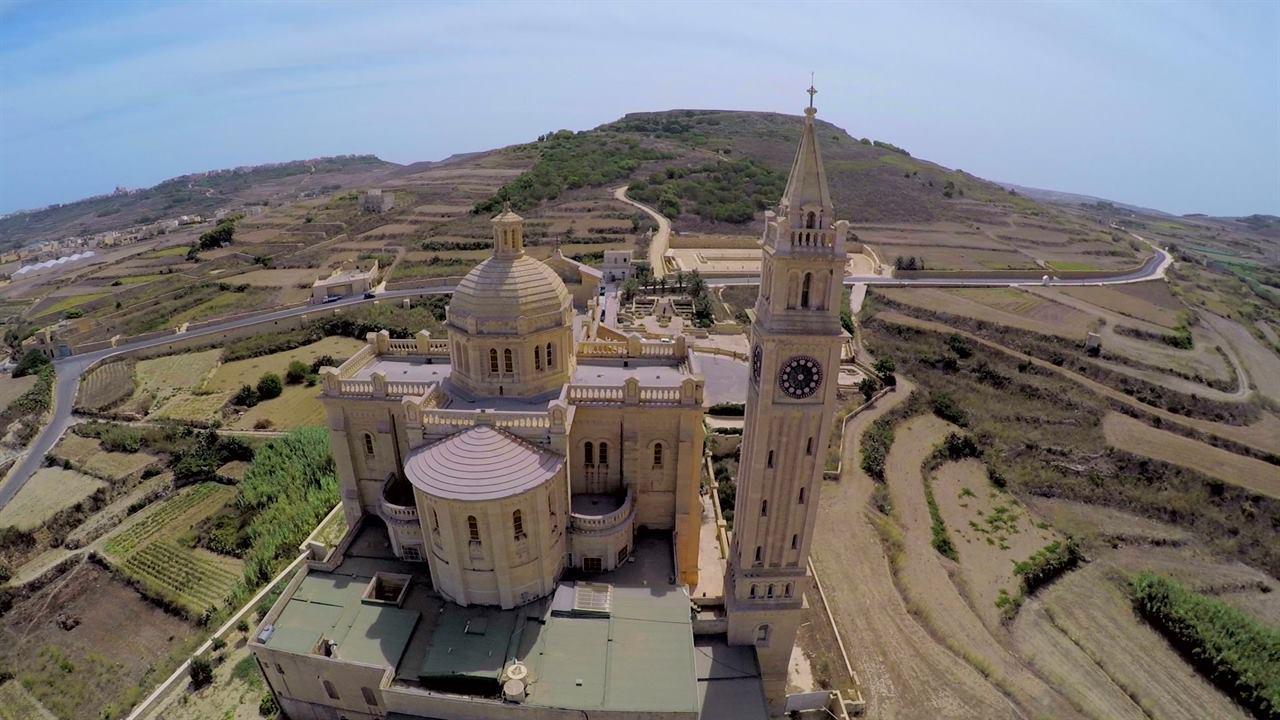 Базилика Девы Марии Та–Пину
