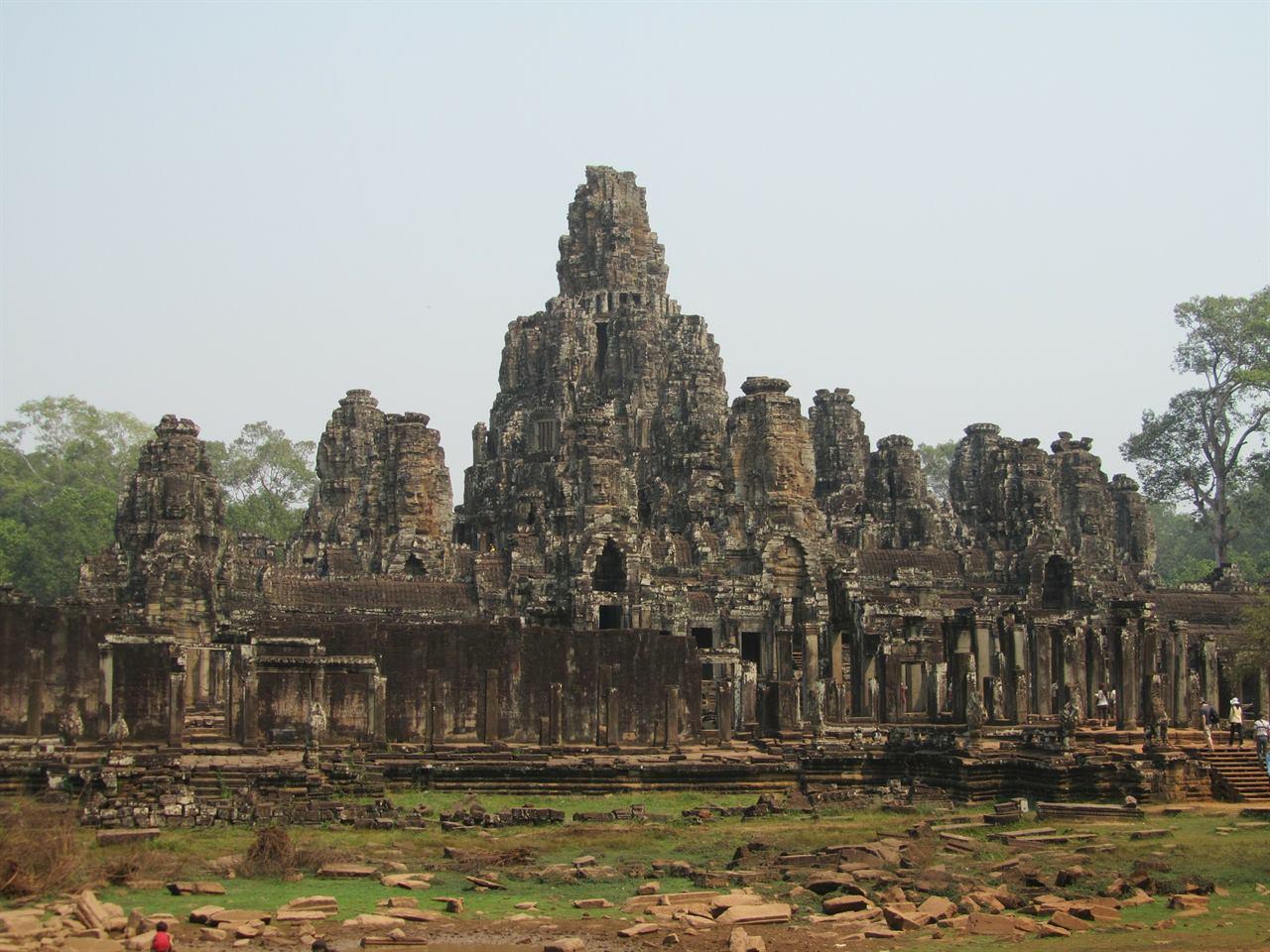 Древние храмы Байон
