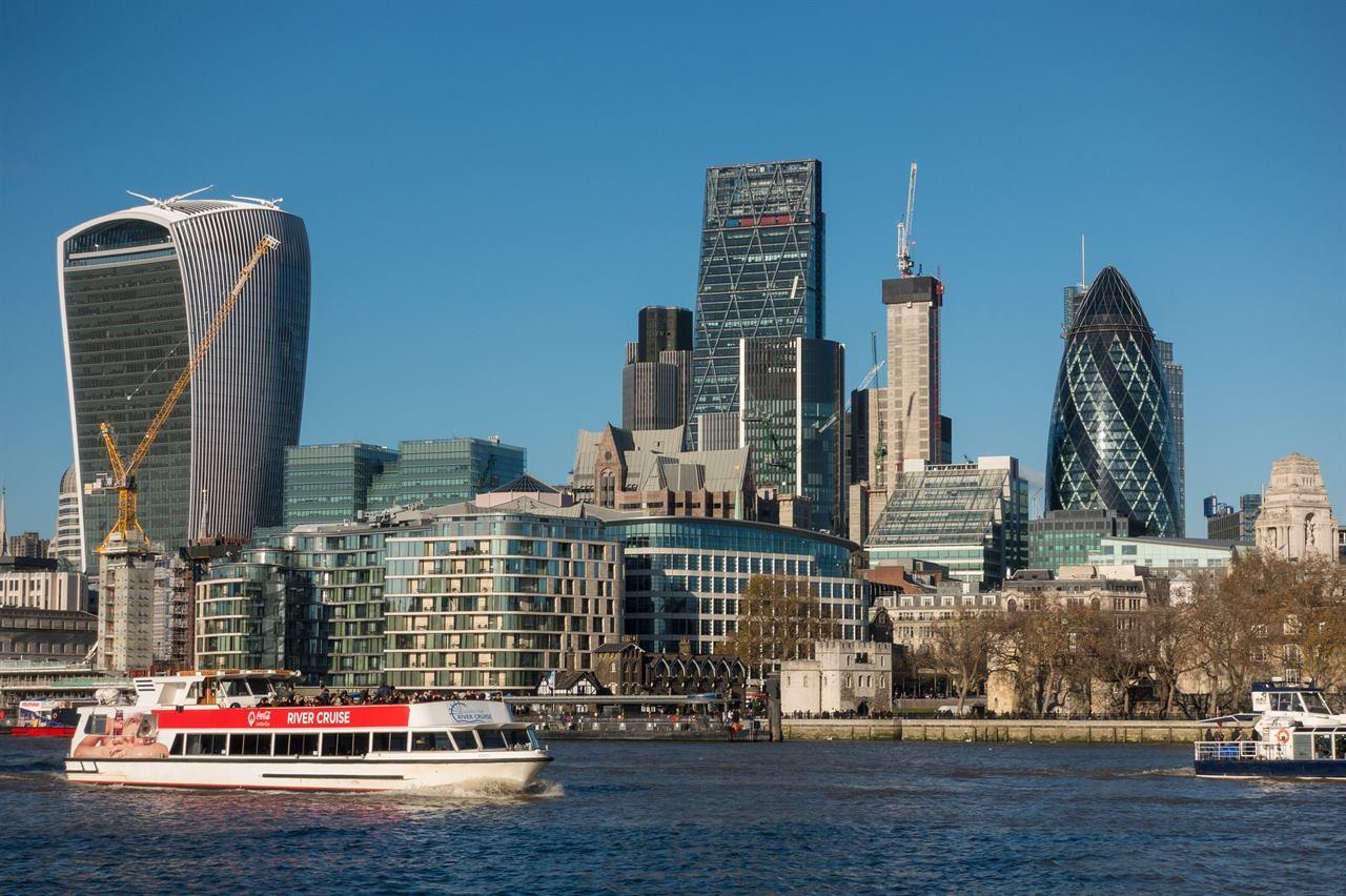 Лондон Англия небоскребы