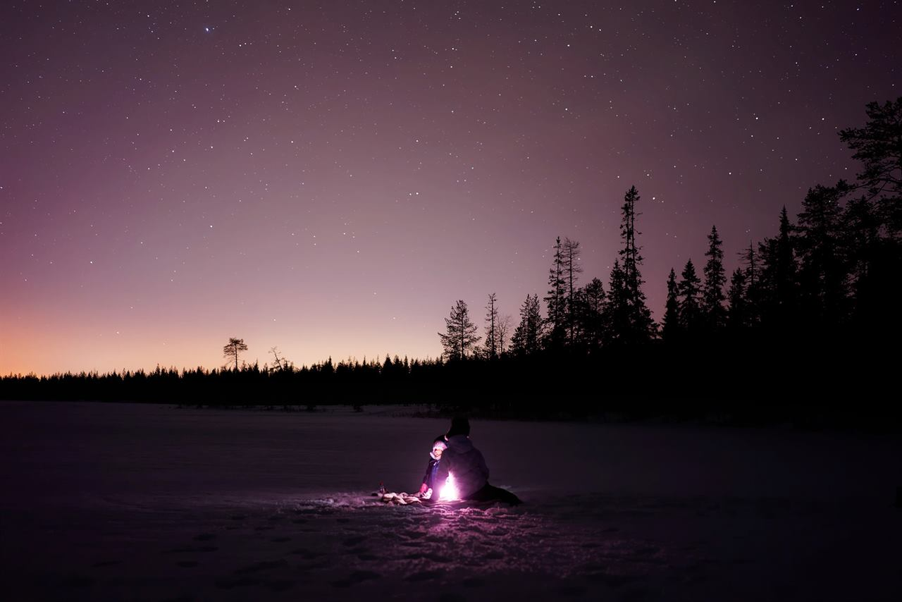 Посидеть у костра и насладиться звездным небом
