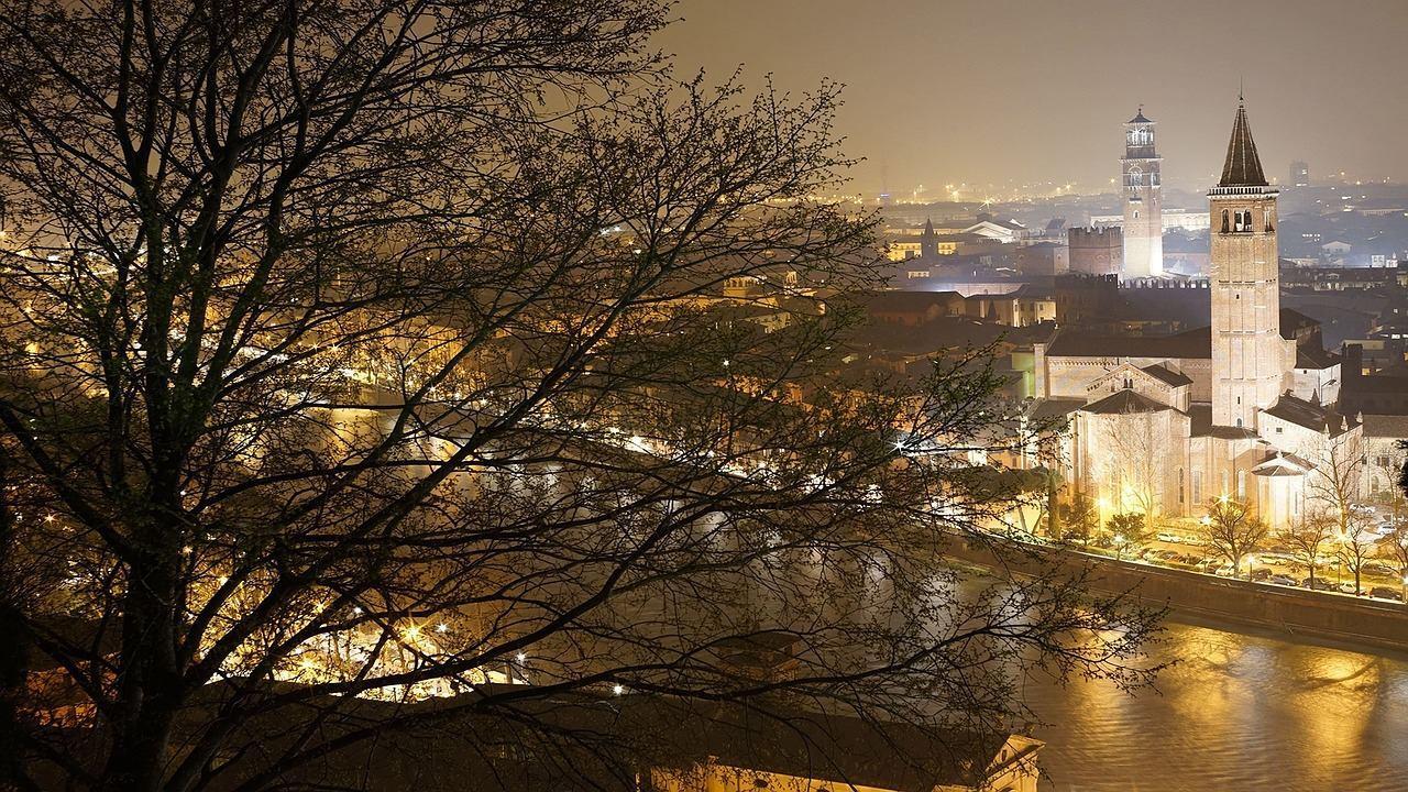 Верона ночью