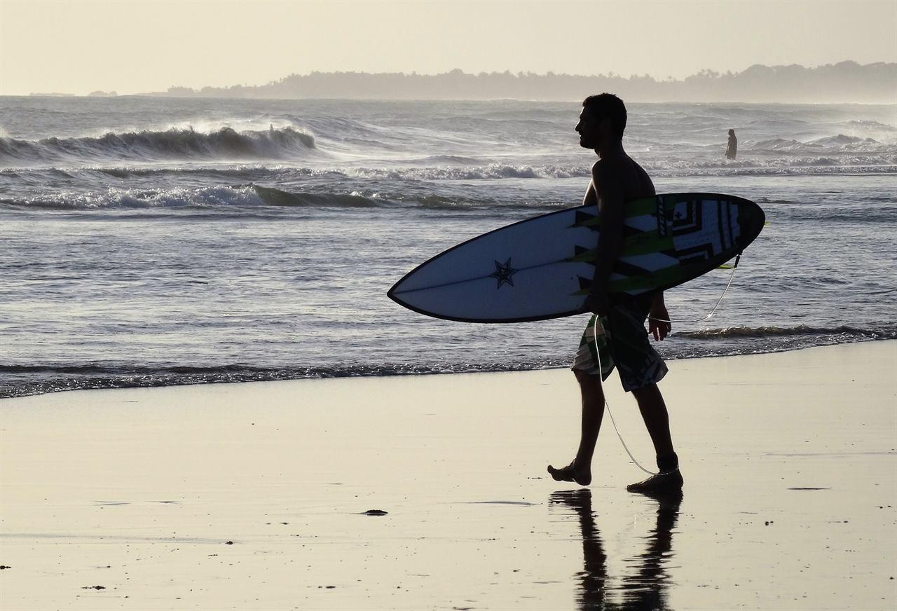 Заняться серфингом на Бали