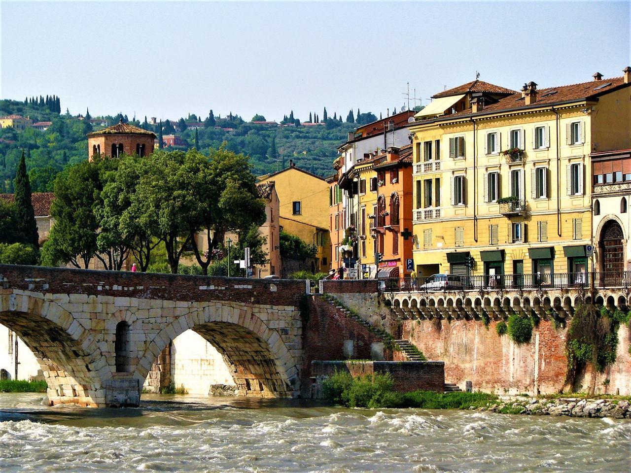 Италия мост Верона река