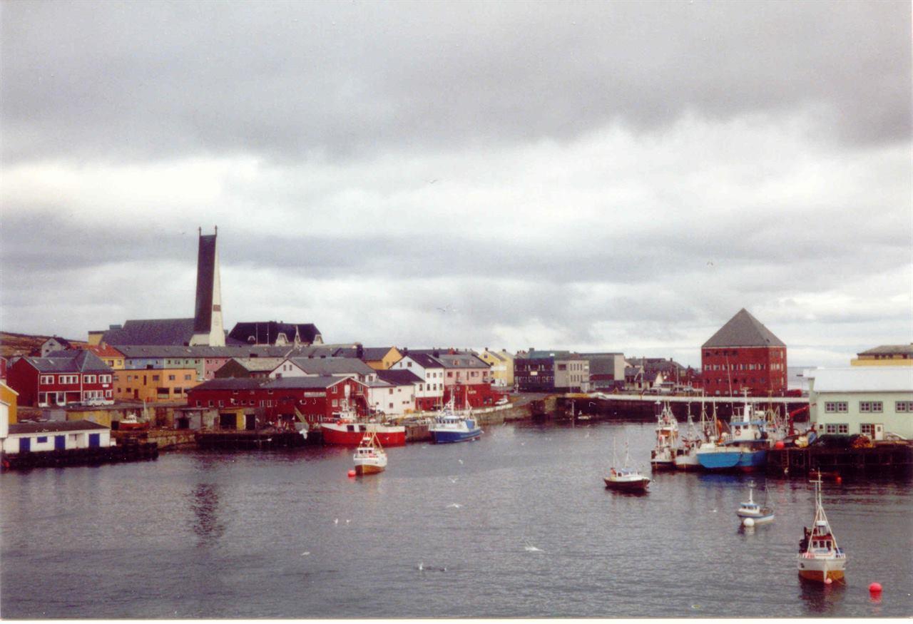 Норвегия город Вардё лодки