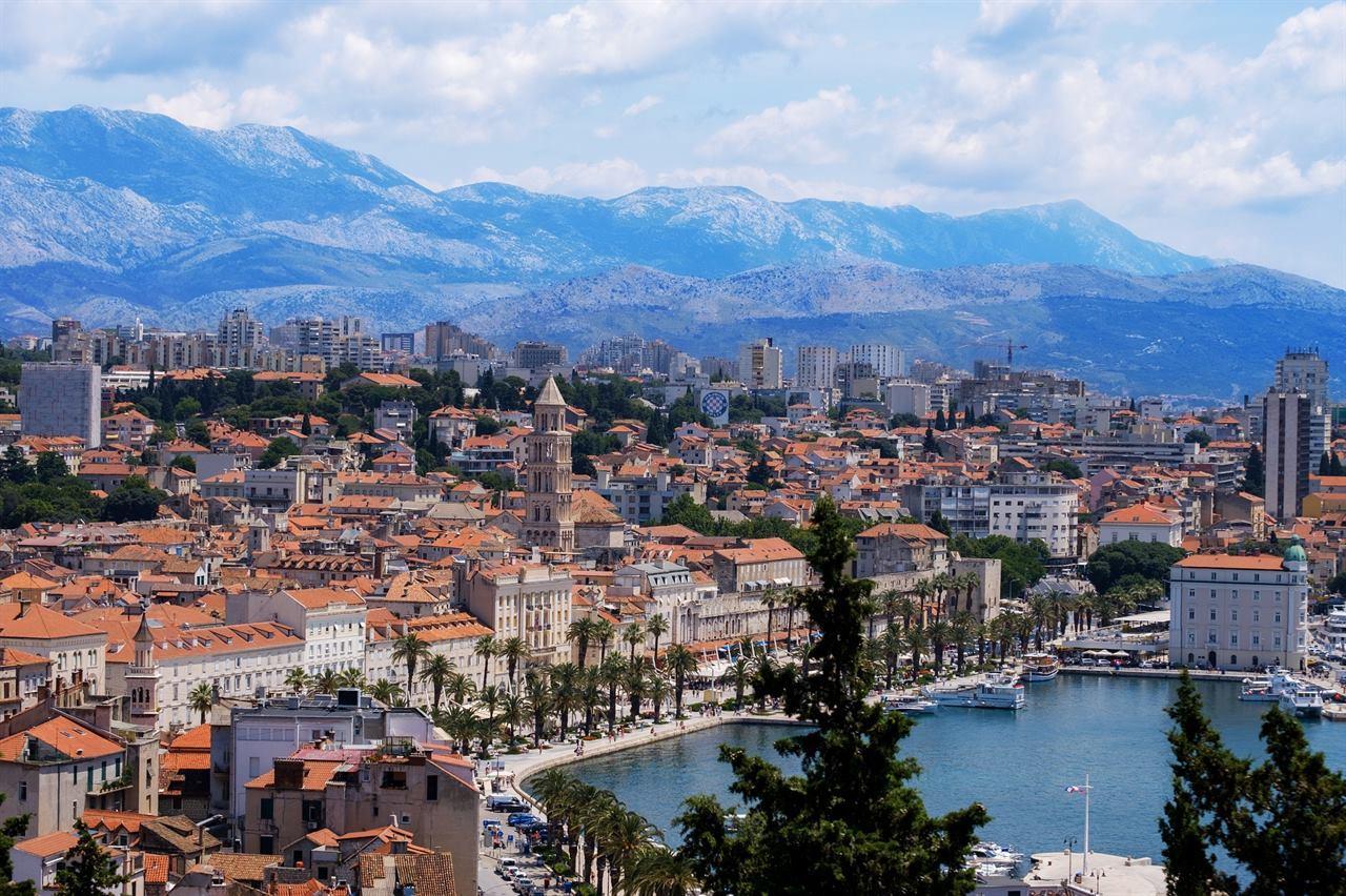 Хорватия море город