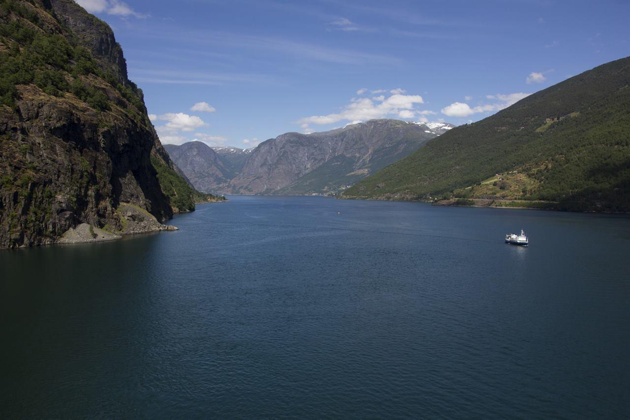 Фьорд Норвегия море