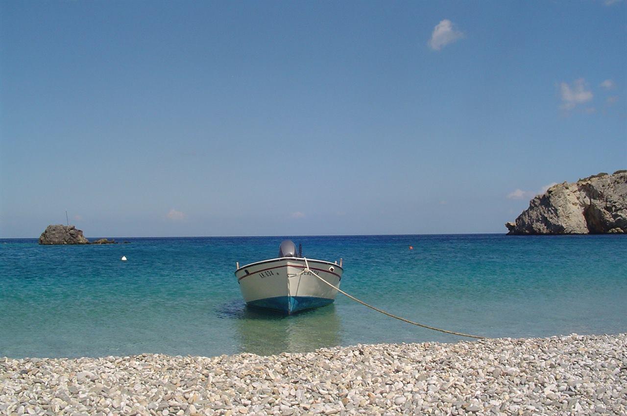 Галечный пляж Хиос