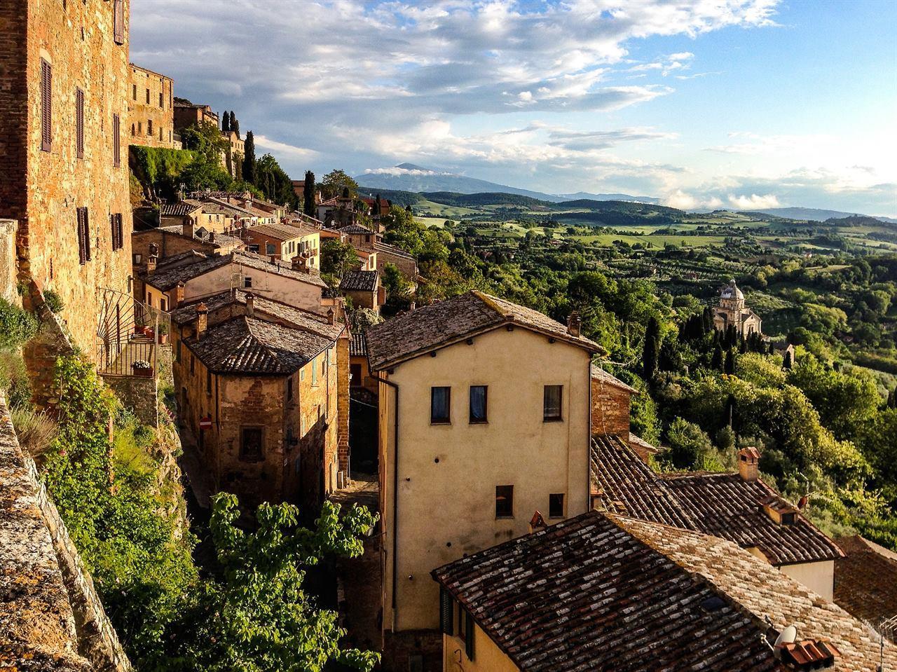 Итальянские домики в горах