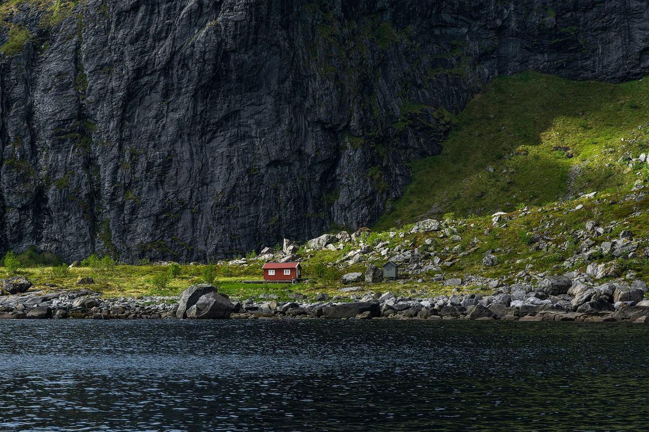 Домики на дне Фьордов Норвегия