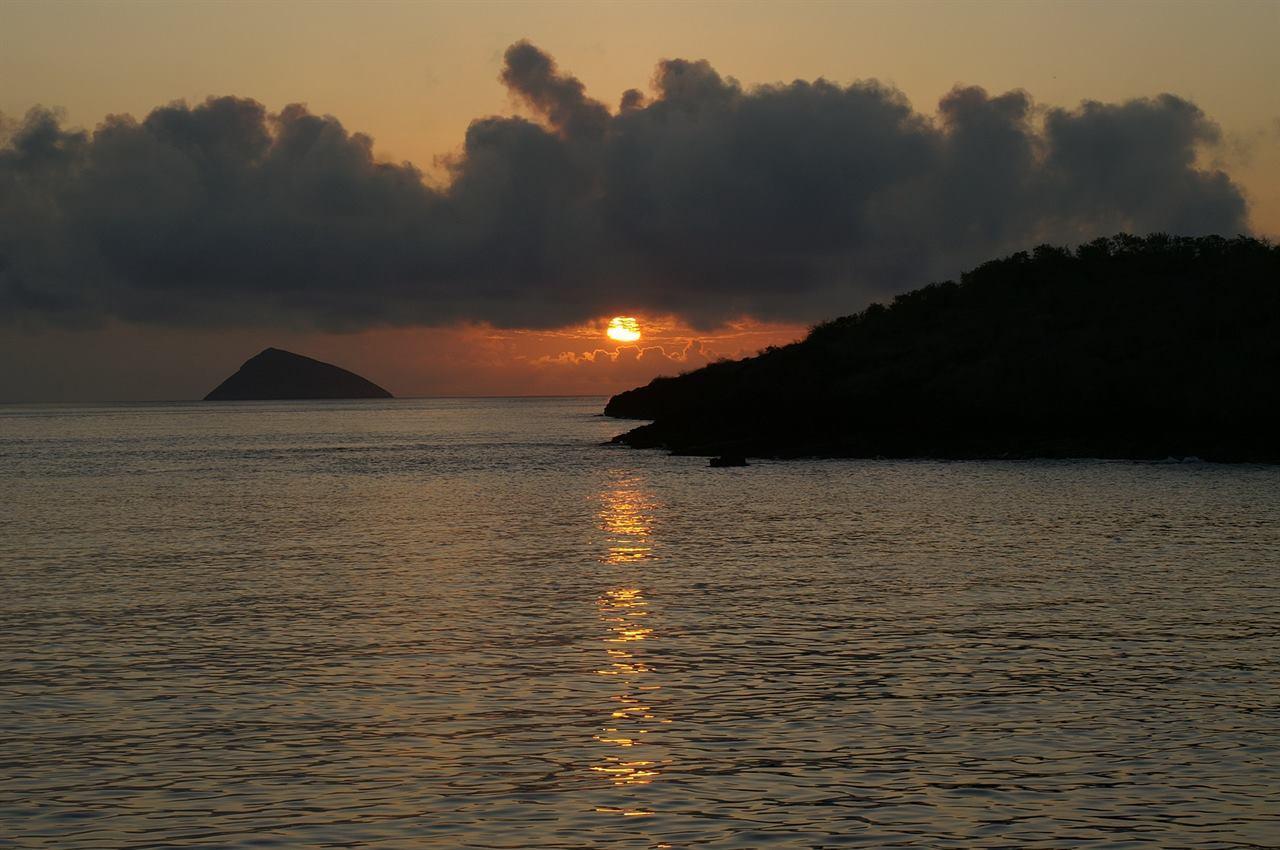 Закат на Галапагосских островах