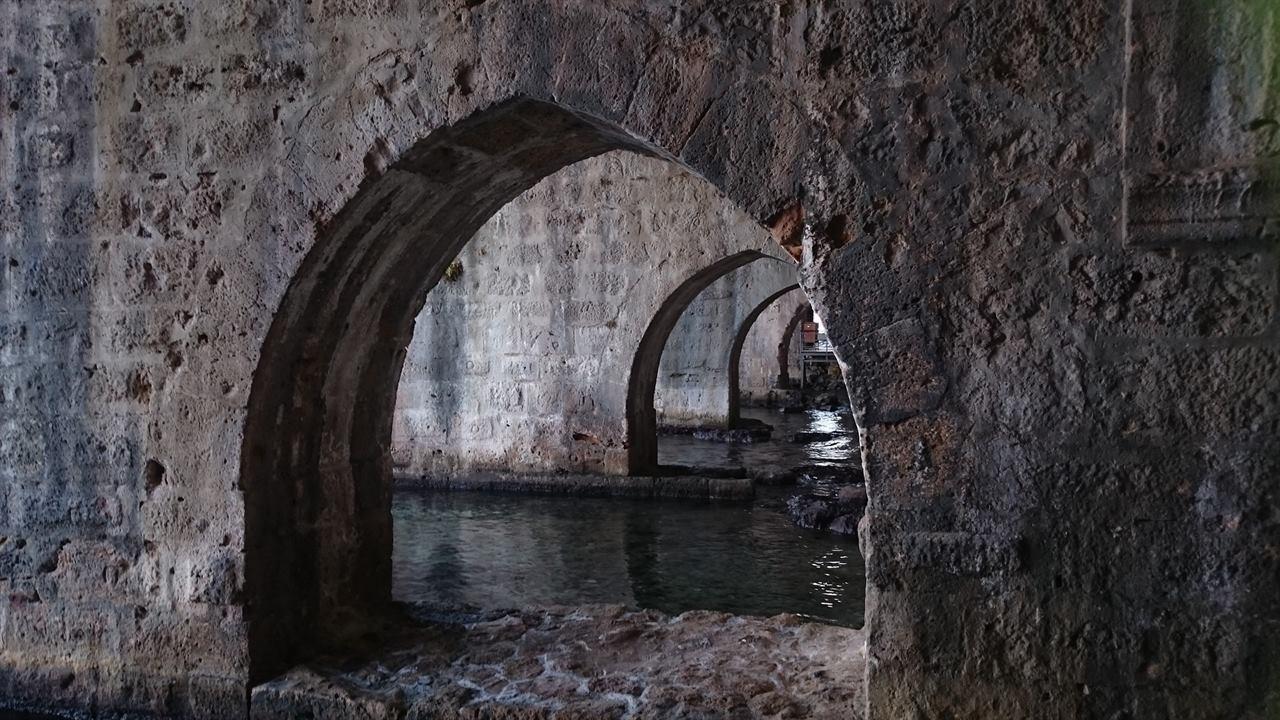 Катакомбы внутри крепости в Аланьи