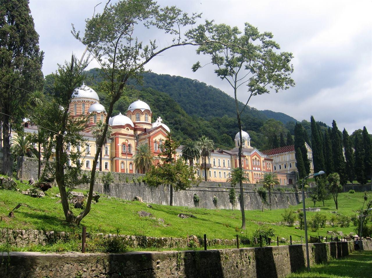 Абхазия монастырь природа