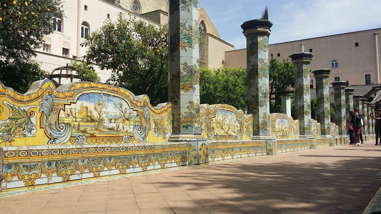 Неаполь Санта-Кьяра