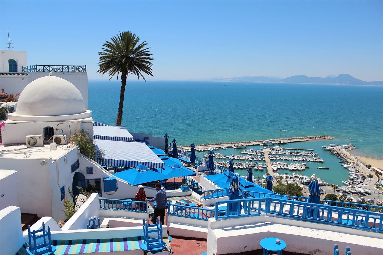 Что привезти туристу из путешествия по Тунису?