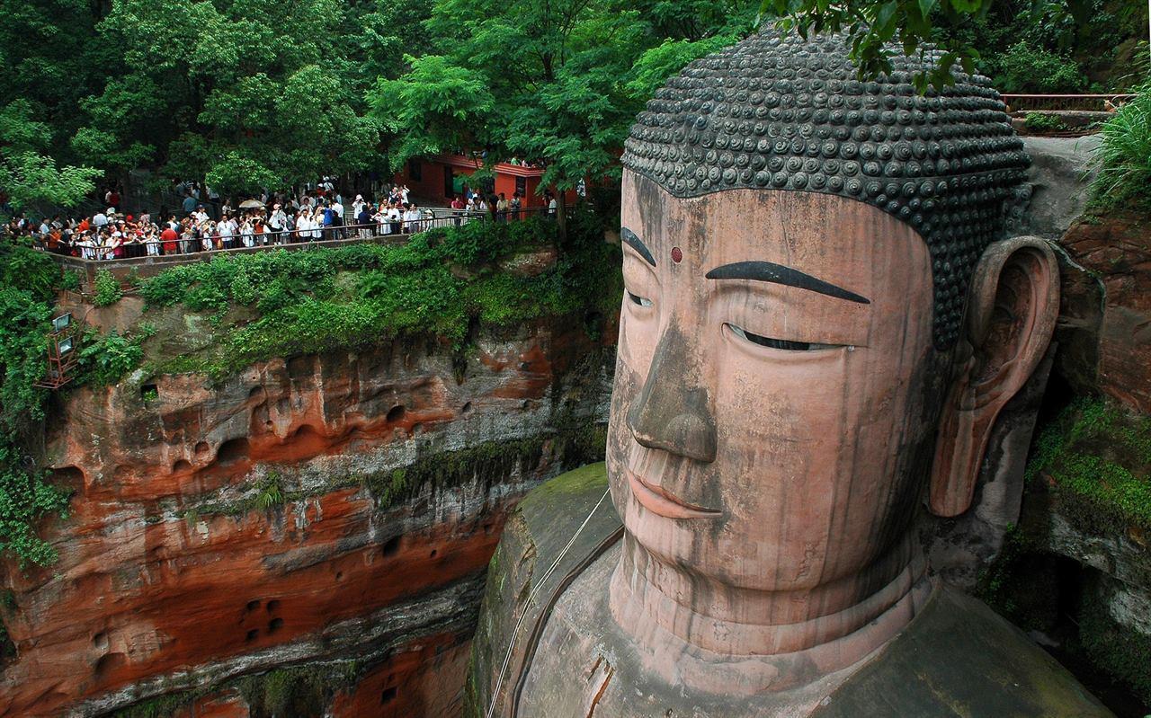 Голова великого Будды в Китае