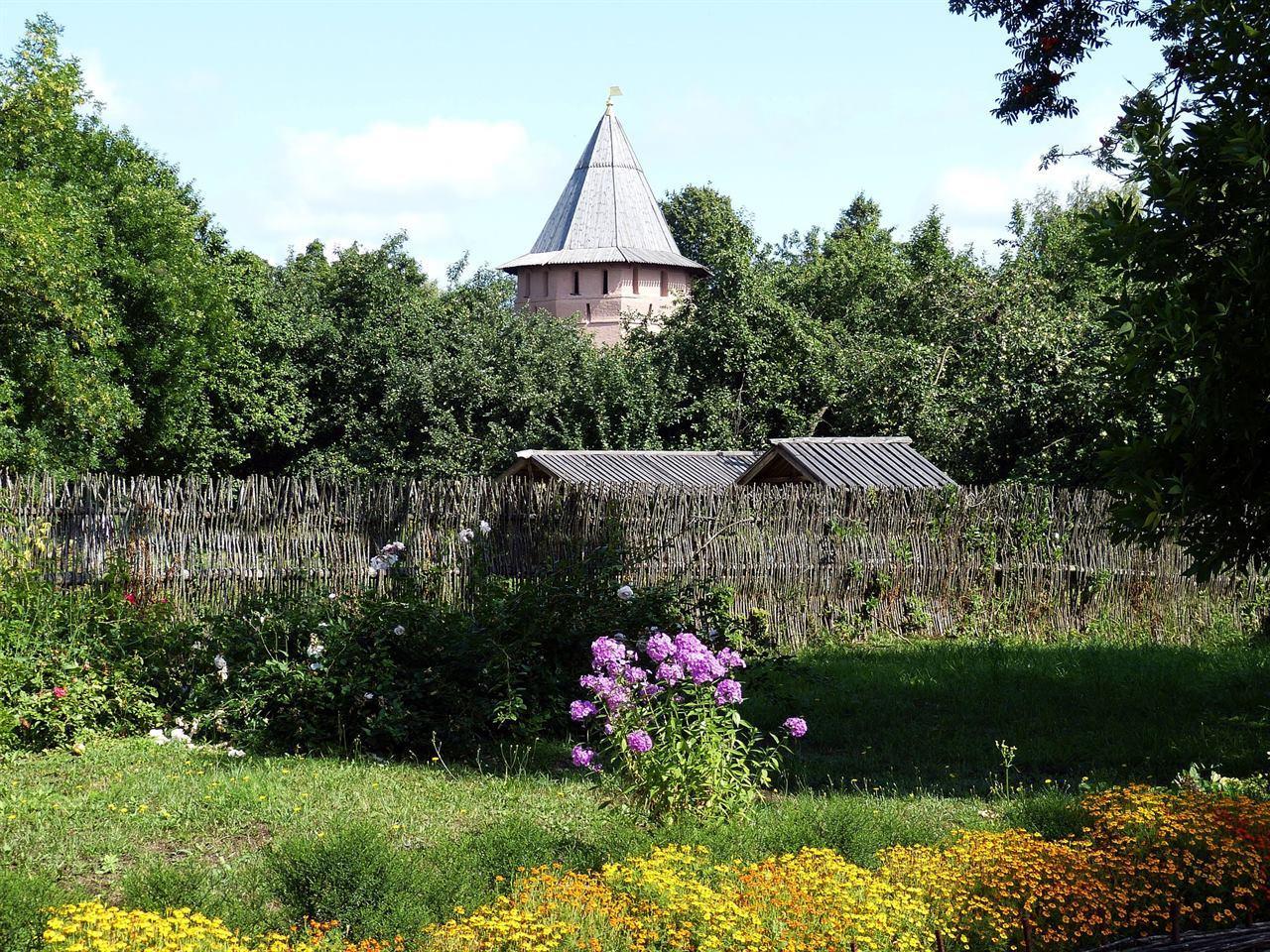 Деревянная крепость в Суздале