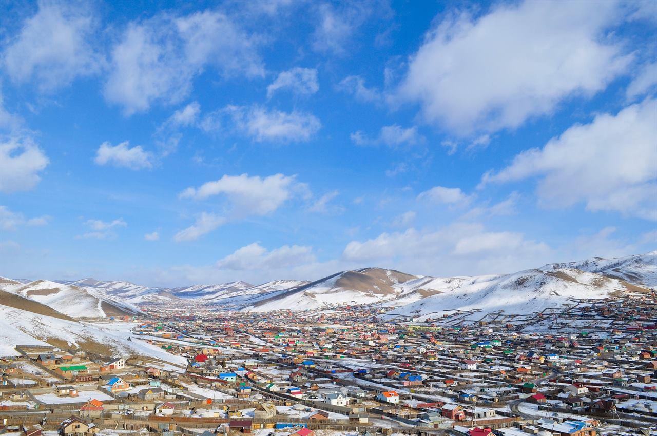 Улан-Батор в пустыни Монголии