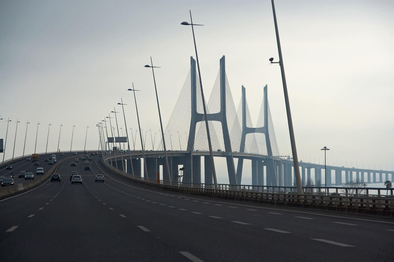 Мост Васко да Гама Португалия