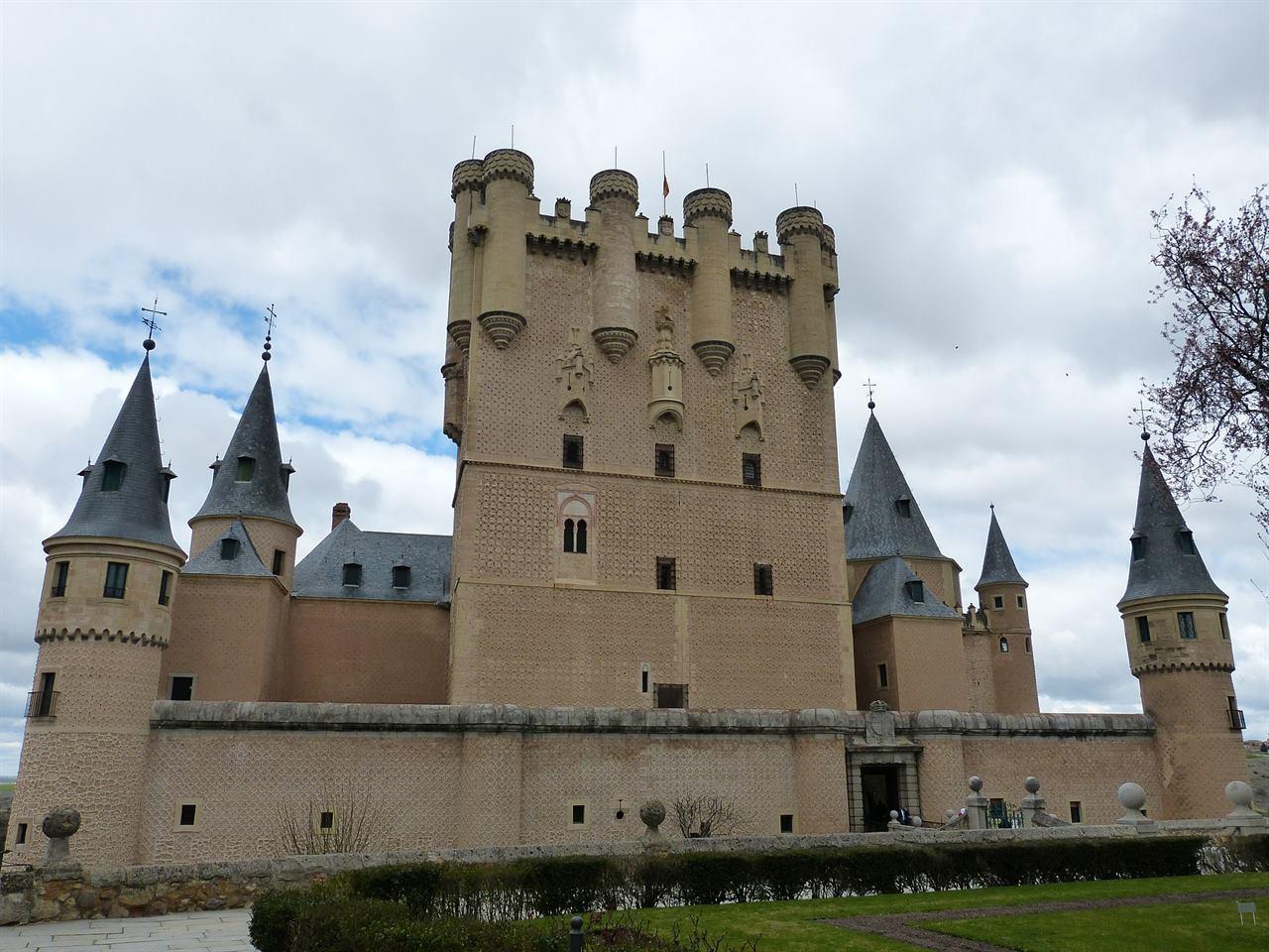 Древняя крепость Алькасар